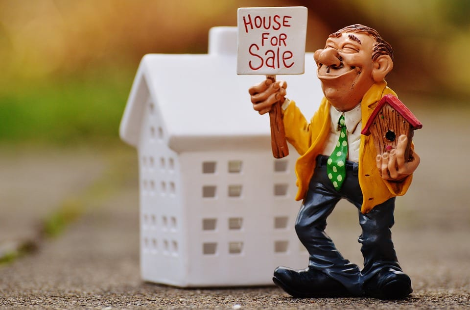 March median house prices fall 1,5%